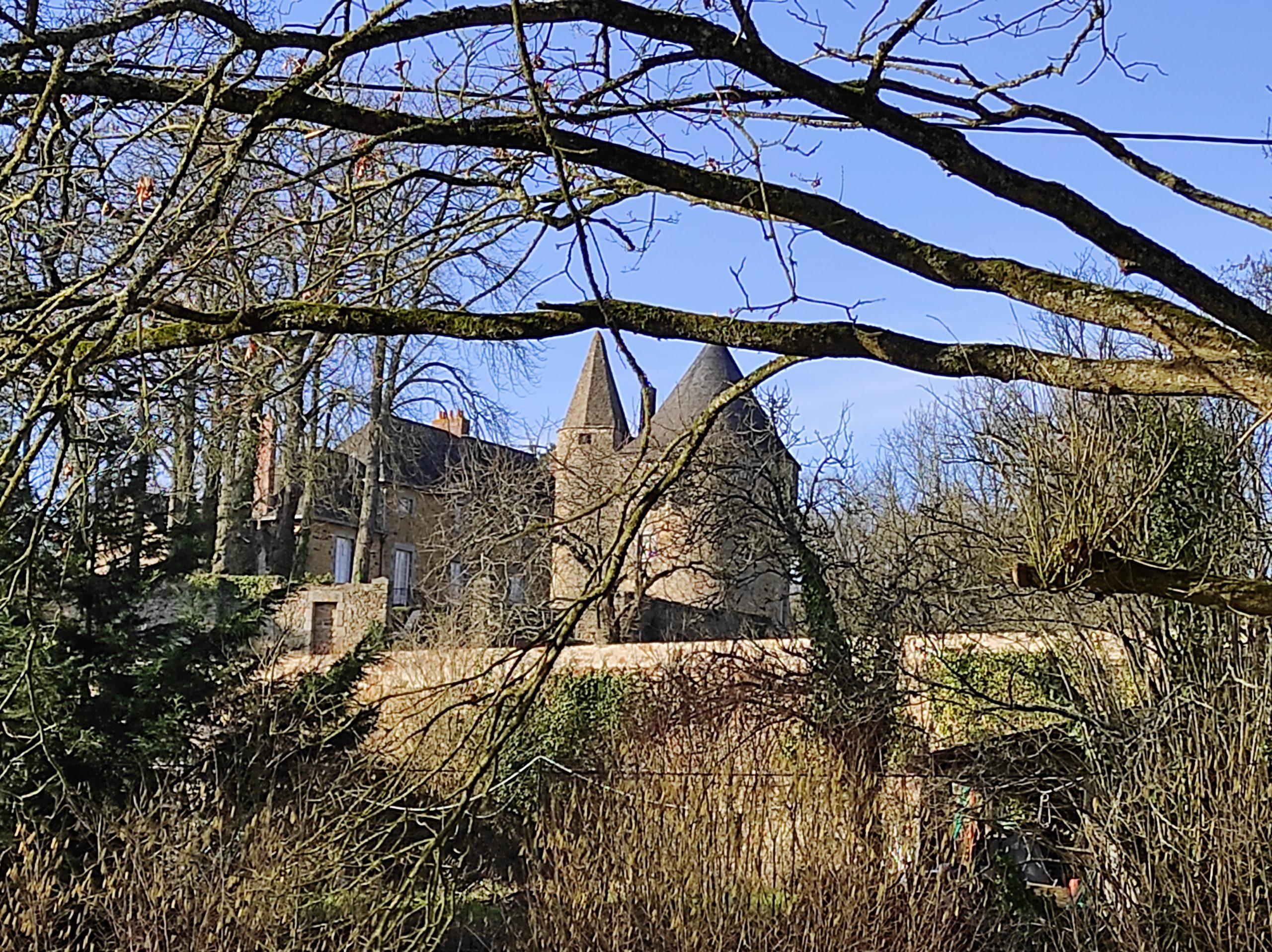Château Le Ménil près d'Andouillé